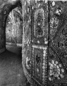 shell grotto 1